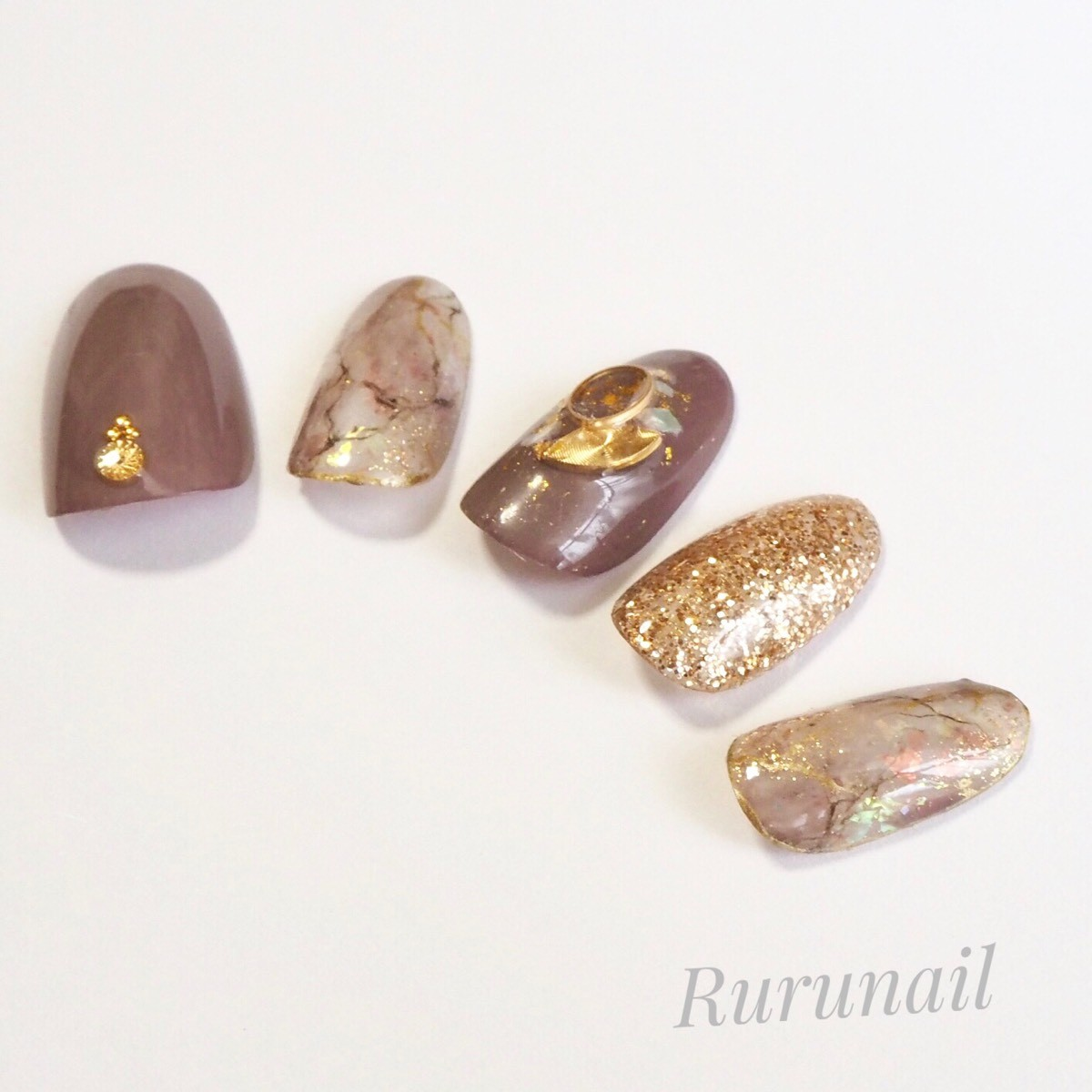 画像5: ダークピンクの天然石とラメネイルチップ(078